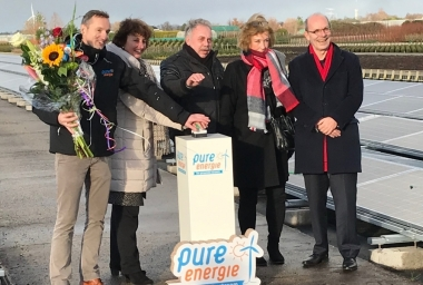 Grootste zonneweide van gemeente geopend in Hazerswoude-Dorp