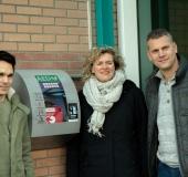 Wethouder Van Starkenburg prijst initiatiefnemers AED kasten