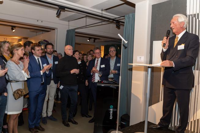 Druk bezochte feestelijke nieuwjaarsreceptie Ondernemersvereniging Amstelveen bij Wooncentrum Co van der Horst