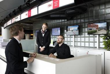 MBO College Airport opent servicebalie voor werkgevers en studenten op Schiphol