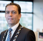 Michel Bezuijen beëdigd als burgemeester
