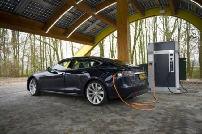 Grote Stijging Aantal Elektrische Auto S In Nederland Into Business