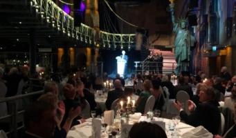 Alphons Böggemann onderscheiden tijdens OA Gala