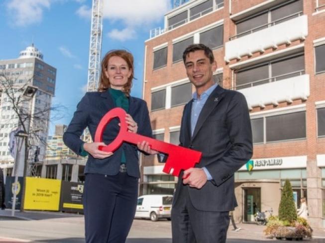 Bankkantoor Stationsweg leeg voor nieuwbouw 2e deel Rijnsburgerblok