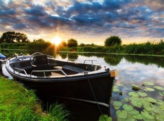 Ontdek de bollenstreek vanaf het water met de Hillegomse Bollenboot
